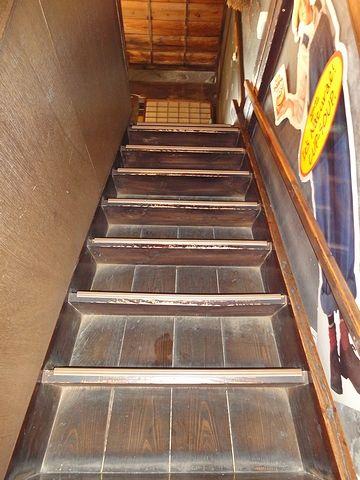 2階への階段がありました