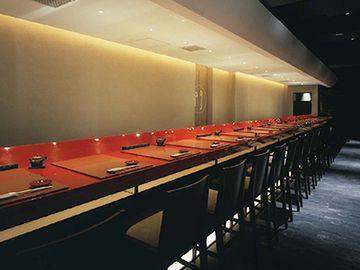 銀座の高級寿司店。ランチでも5,000円だそうです。