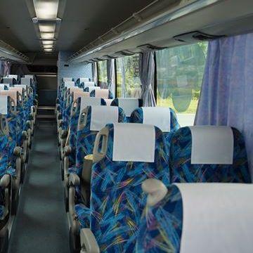 前の座席でカーテンを閉められると、視界が悪くなるのです