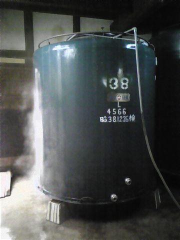 出来上がったお酒は、腐敗や変質を防ぐため、加熱殺菌されます