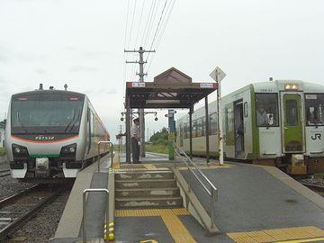 行き違いが、先ほど言った『陸奥横浜』の1駅でしか出来ないんです