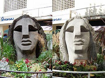 左:洗浄前/右:洗浄後。もともとは、白い像だったんですね