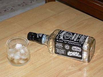 空の酒瓶を、デッドソルジャーと云います