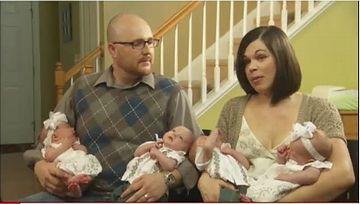 男女の一卵性双生児が2組という四つ子