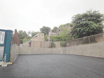 『上野動物園』の裏側です