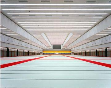 親鸞会館(富山県射水市)。2,000畳の大講堂。