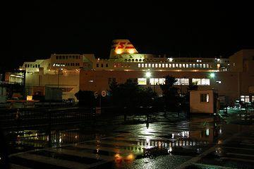 真っ暗な新潟港