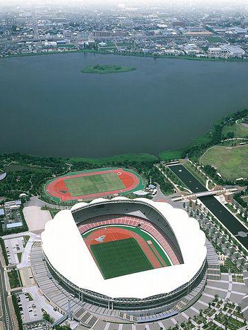 新潟スタジアムのすぐ北側には、鳥屋野潟っていう沼地があって