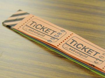 チケットを職員に買わせればいいんだ