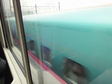 新幹線同士のすれ違い