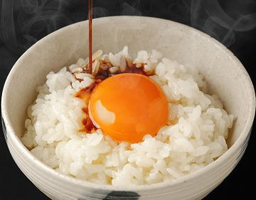 それは、卵かけご飯で証明されてますからな