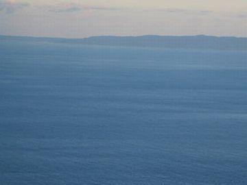 日本海タワーからは佐渡ヶ島まで見えるんだよ