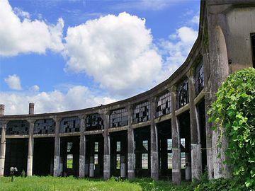 神殿のような「豊後森機関庫」