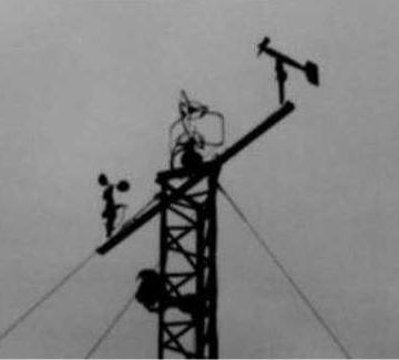 風速25メートルを示す警報は、2回鳴ってました