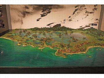 浅い海に、たくさんの島が浮いてる