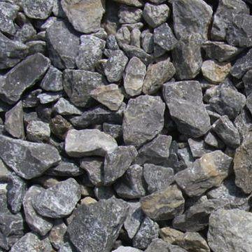 岩を砕いた石です