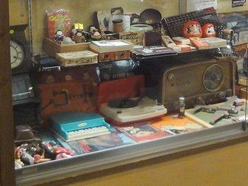 ラジオとか、レコードプレーヤー