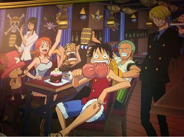 襲った船の食堂で、略奪成功のパーティを開いたのよ