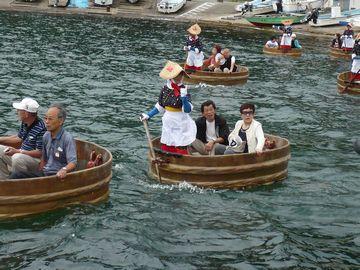 佐渡名物「たらい舟」