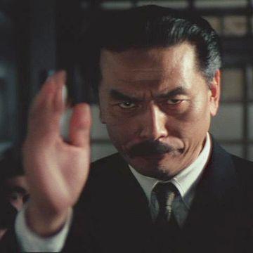 石坂浩二主演の『金田一耕助シリーズ』に出てくる名物キャラ、等々力警部(加藤武)