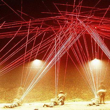 曳光弾発射