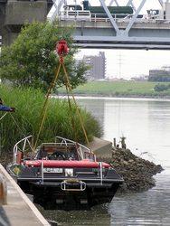 江戸川と消防救助艇