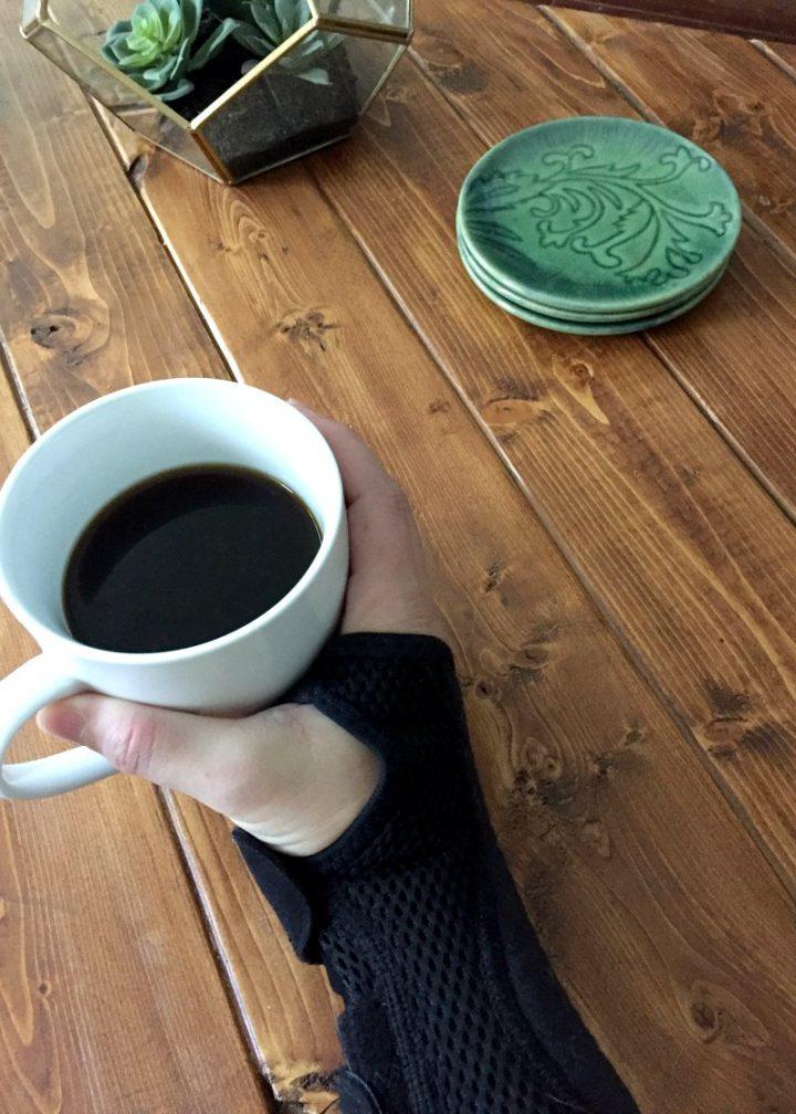 nẹp cổ tay cho ống cổ tay - bàn cà phê
