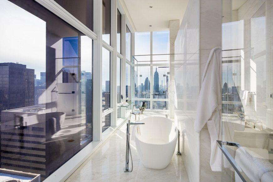 Phòng tắm tuyệt vời của khách sạn Baccarat New York Phòng tắm tuyệt vời của khách sạn Baccarat New York Hãy xem phòng tắm tuyệt vời của Baccarat Hotel New York Trải nghiệm Phòng tắm sang trọng Tại Luxury Baccarat Hotel New York 4