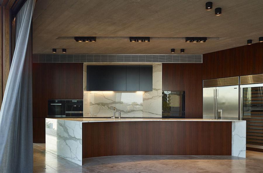 bếp [19659024] V House / Shaun Lockyer Architects Photos © Scott Burrows </p></div> <h2><b> Thiết kế cho một gia đình </b></h2> <p><span style=