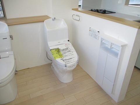 トイレ (5)