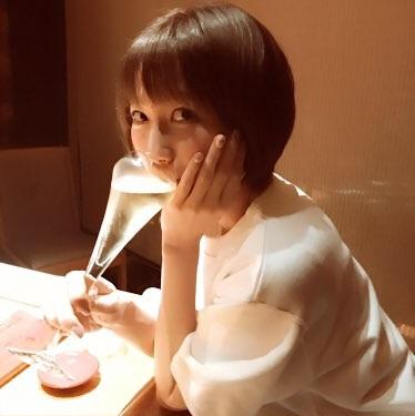 【画像】安済知佳さん、お酒を飲む姿が可愛いwww