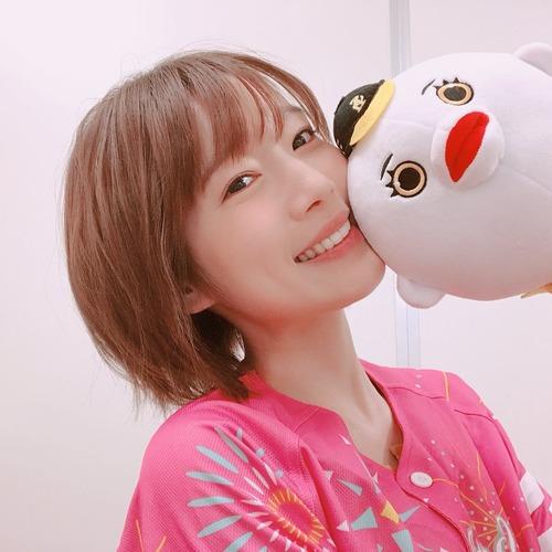 【画像】声優の内田真礼さんが最近大人っぽくなったと話題にwww