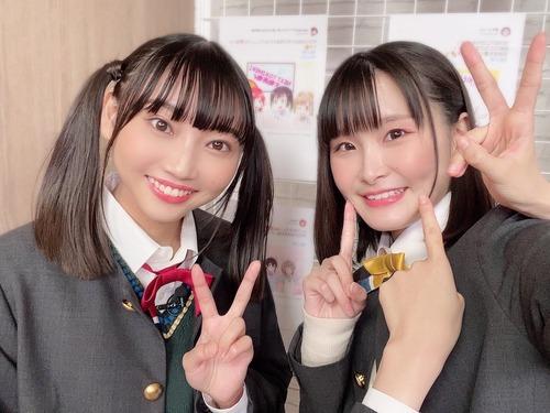 【画像】声優・矢野妃菜喜と相良茉優の写真に謎の手が映るwww