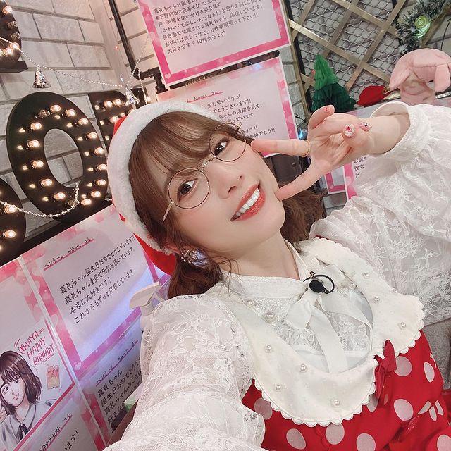 人気声優の内田真礼さん、クリスマスイブにわざわざインスタライブをしてしまうw