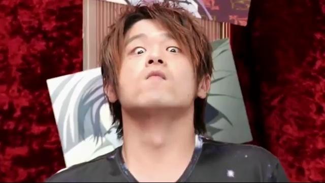 【画像】松岡禎丞くん、育ちすぎてベルトが弾ける