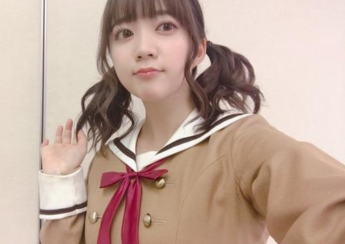 【画像】人気声優の伊藤彩沙さん、谷間を見せてしまうw