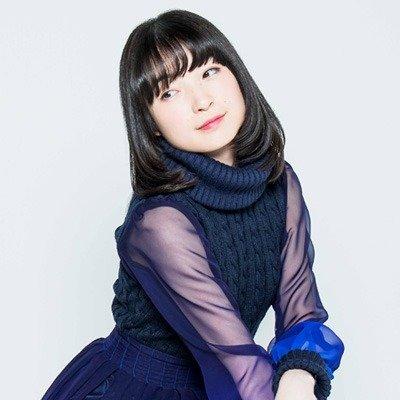 【悲報】上田麗奈さん、キメ角度をつけすぎて横を向いてしまうwww