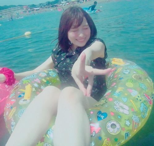 【画像】超美人声優の佳村はるかさん、今年も汚そうな海に行く!!!