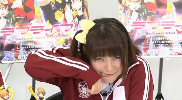【画像】新田恵海さん、豚の真似をする