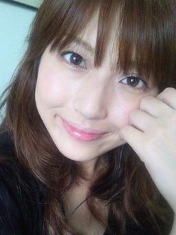 【画像】浅倉杏美さん(31)、完全に人妻の風貌になってしまう・・・