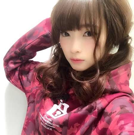 【画像】立花理香さん(31)、新年からJKコスをしてしまう
