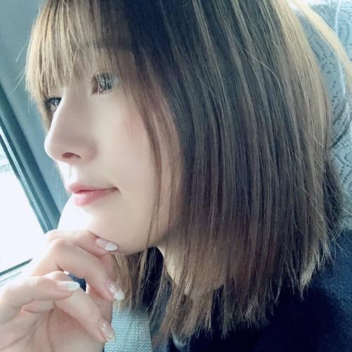 【画像】内田真礼さん「カットは整えるだけ! 順調に髪、育ってます」