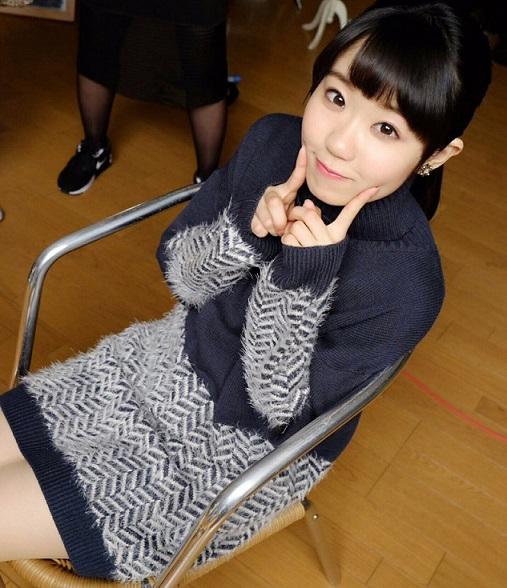 【画像】東山奈央ちゃん、内股になってて可愛い