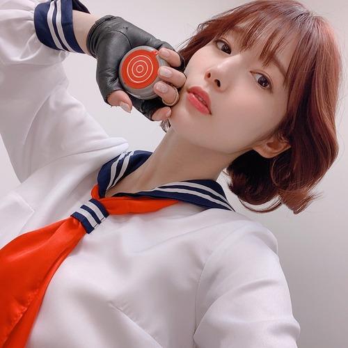 【画像】内田真礼さん(30)、スケバン姿を披露www