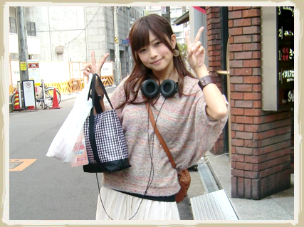 【画像】立花理香さん、えっろい服を着て学祭に出演してしまうwww