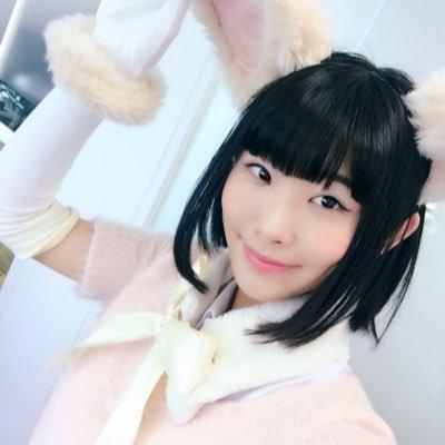 本宮佳奈さん、アライグマに餌を与えて遊ぶwww