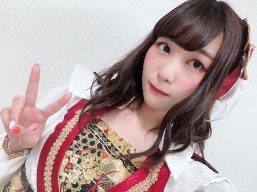 富田美憂さん(19)「あ、まって私も特技?あったよ。回し蹴りとナンパ回避」