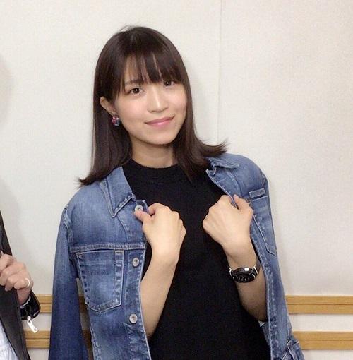 大西沙織さん、佐倉綾音さんの胸をまさぐる