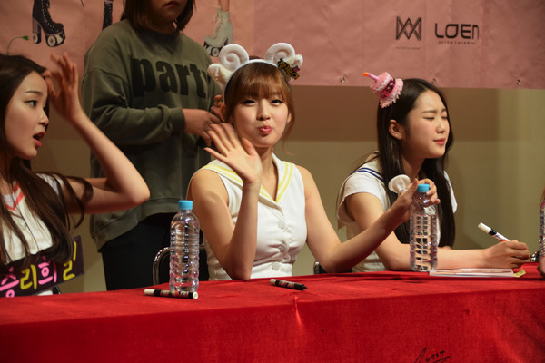 OH MY GIRL #64