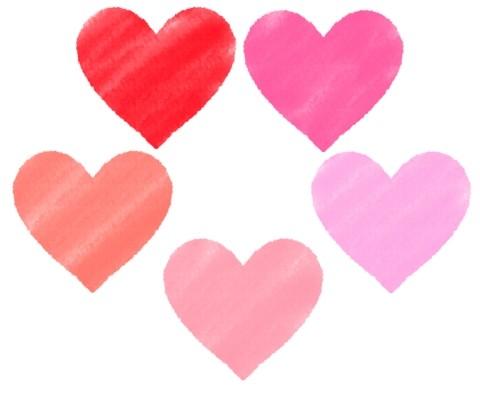 少しぼやけたハートマークのイラスト素材 赤色からピンク色までのバリエーション 素朴なイメージです